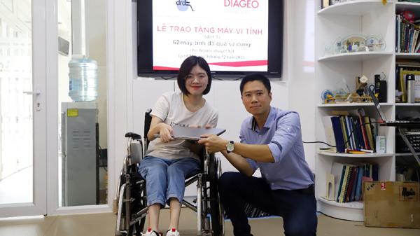 Một 'cơ hội mới' từ một chiếc máy tính cũ cho những người trẻ khuyết tật