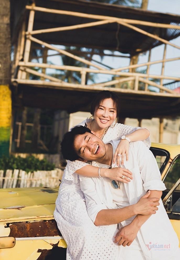 Vợ doanh nhân của Quý Bình: 'Anh ấy cưới tôi không phải vì trẻ, đẹp'