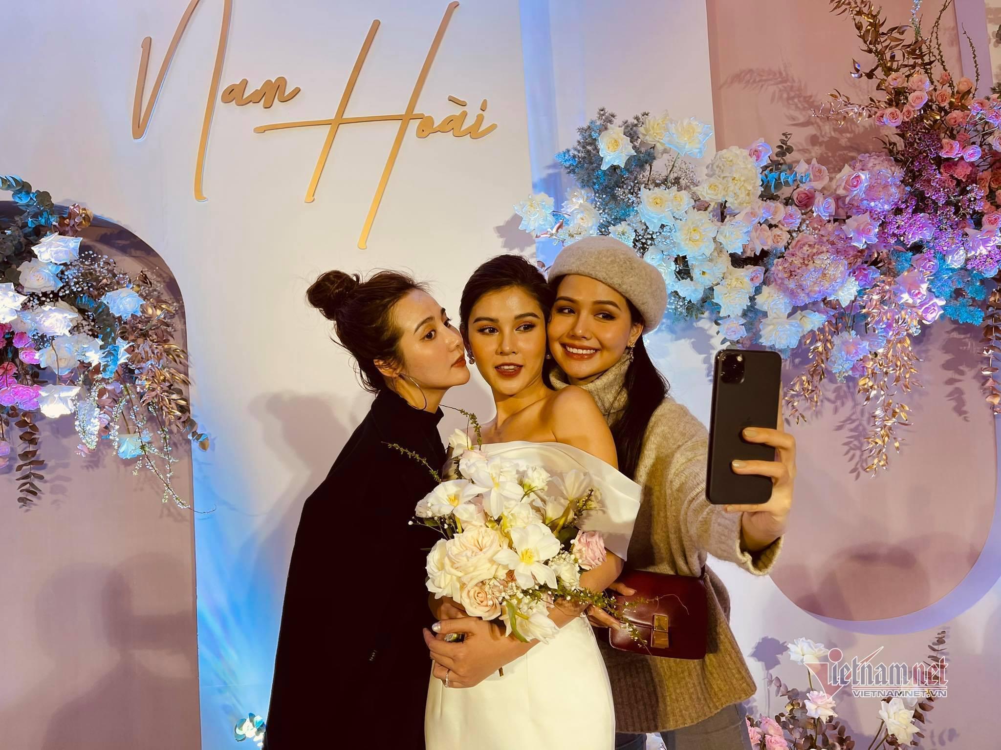 Dàn diễn viên hot nhất màn ảnh VTV dự đám cưới MC Vũ Thu Hoài
