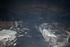 Hỏa hoạn kinh hoàng khiến 70 chiếc siêu xe hàng hiếm cháy rụi