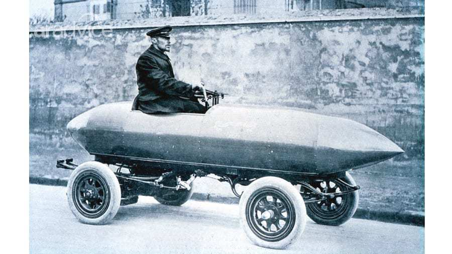 Chuyện thú vị về chiếc xe đầu tiên trên thế giới đạt tốc độ 100 km/h