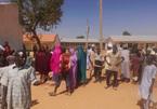 Bắt cóc táo tợn ở Nigeria, hàng trăm nam sinh thành con tin