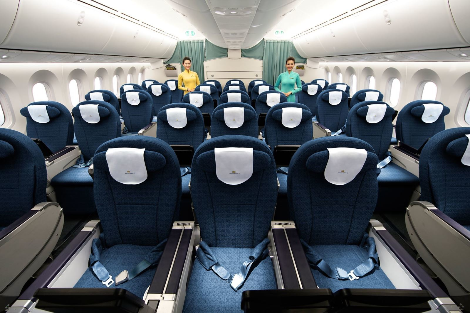 Vé máy bay Tết qua mức giá và hạng ghế: Chọn sao cho đúng nhu cầu?