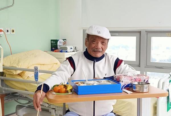 NSND Trần Hiếu xuất viện sau 17 ngày điều trị vì gãy xương sườn