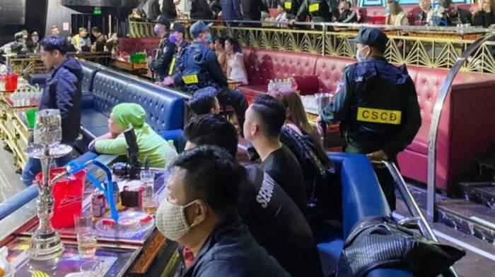 Đột kích vũ trường lớn nhất Quảng Ninh, 78 người 'bay lắc' điên cuồng