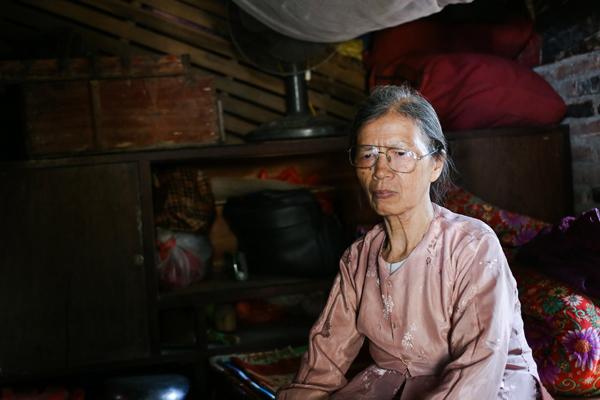 EVNHANOI sửa điện cho 800 hộ nghèo huyện Thanh Oai