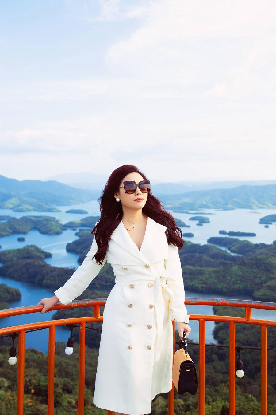 Diễn viên Kim Thanh Thảo với bộ ảnh mới tại Hồ Tà Đùng