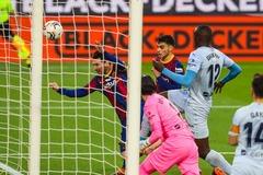 Messi cán mốc đặc biệt, Barca đánh rơi chiến thắng