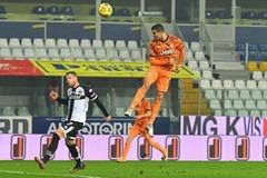 """Ronaldo lập cú đúp, Juventus thắng trận """"4 sao"""""""