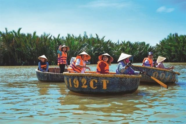 HCM City links up with five regions to raise tourism revenue