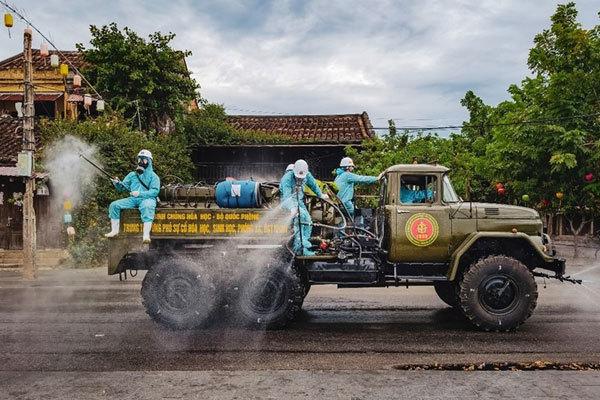 Photos of Vietnam's Covid-19 combat