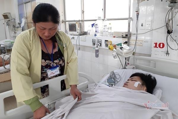 Con mồ côi cha thất học, mẹ không có nổi 20 triệu đồng chữa bệnh nguy kịch