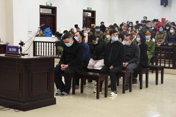 Xét xử 'trùm' đa cấp Liên kết Việt, tòatriệu tập 6.053 bị hại
