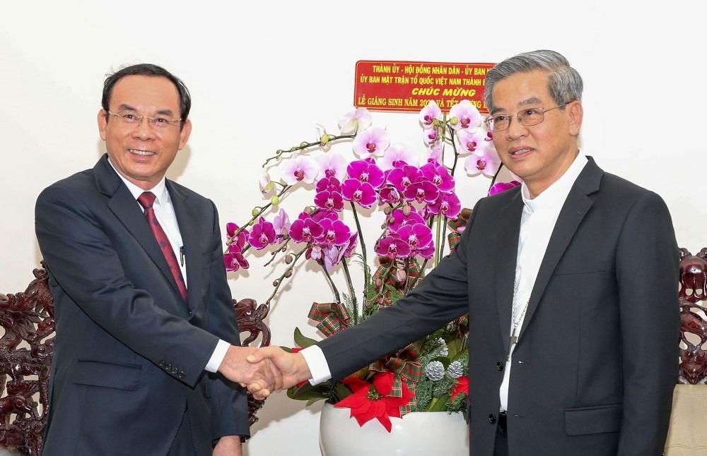 Bí thư Nguyễn Văn Nên thăm, chúc mừng đồng bào Công giáo dịp Giáng sinh