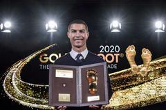"""Bạn gái chúc mừng Ronaldo giành """"Bàn chân vàng"""""""