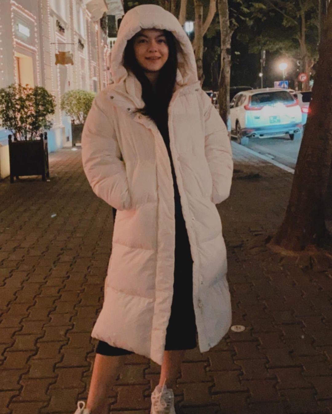 Midu diện đầm trắng vai trần đọ sắc với Jun Vũ