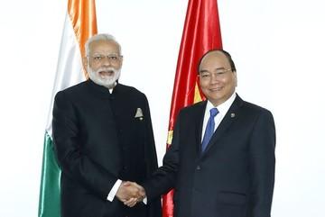 Việt Nam - Ấn Độ ký kết hợp tác quốc phòng, hạt nhân dân sự, dầu khí