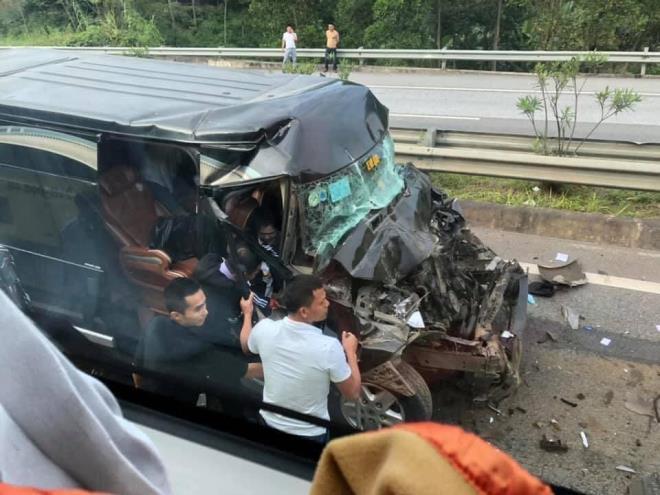 Xe Limousine gây tai nạn thảm khốc do phóng nhanh, vượt ẩu