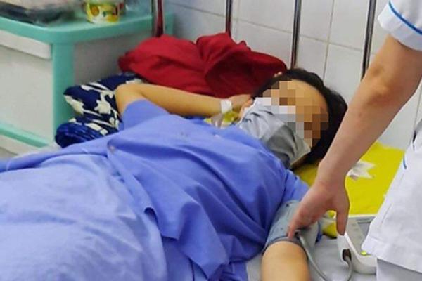 Đẻ rơi con trong nhà vệ sinh, sản phụ mới biết mình mang thai