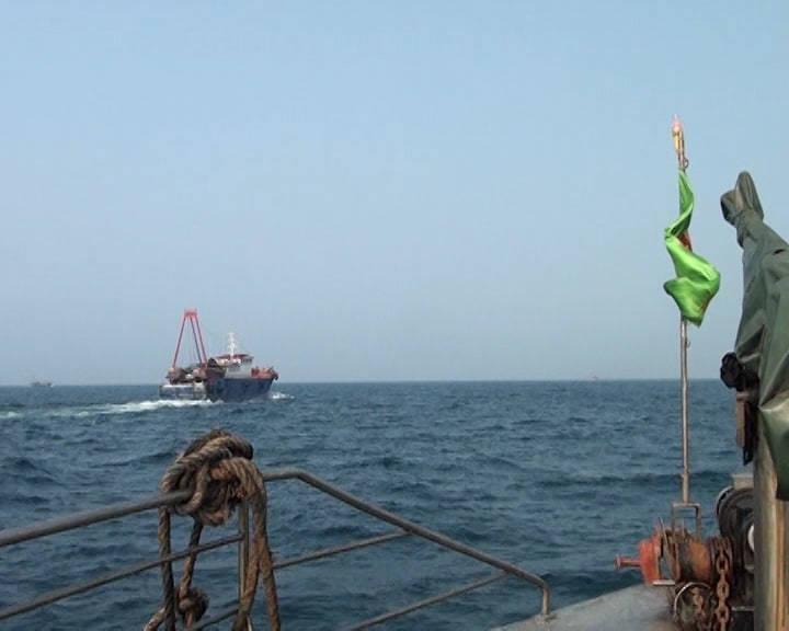Đuổi hai tàu cá Trung Quốc xâm phạm vùng biển Thái Bình