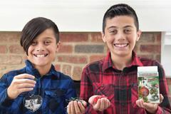 Sáng chế mùa Giáng sinh giúp hai cậu bé kiếm gần 6 tỉ đồng