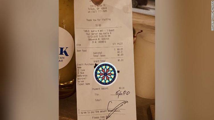 Thực khách hào phóng tặng 5.600 USD tiền 'tip' cho nhân viên nhà hàng