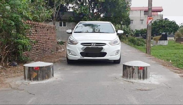 Làm thế nào để lách được ô tô qua khe hẹp?