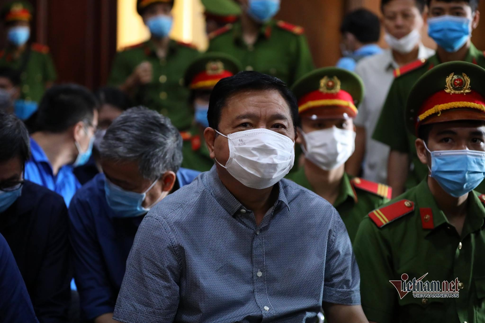 Ông Đinh La Thăng lãnh án 10 năm tù