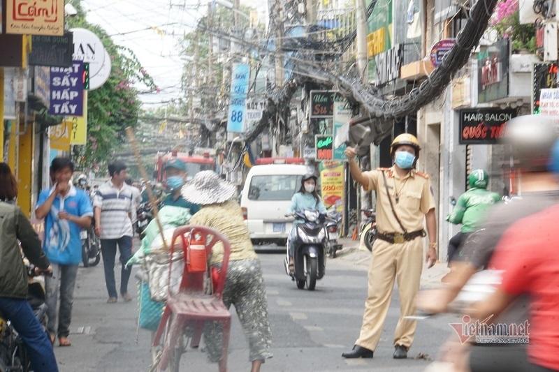 Nổ rung chuyển cả khu phố ở Sài Gòn, nhiều người tháo chạy