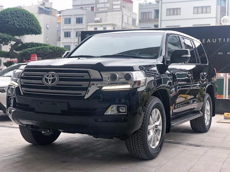 Những mẫu SUV tiền tỷ chuyên trị địa hình khó đang bán ở Việt Nam
