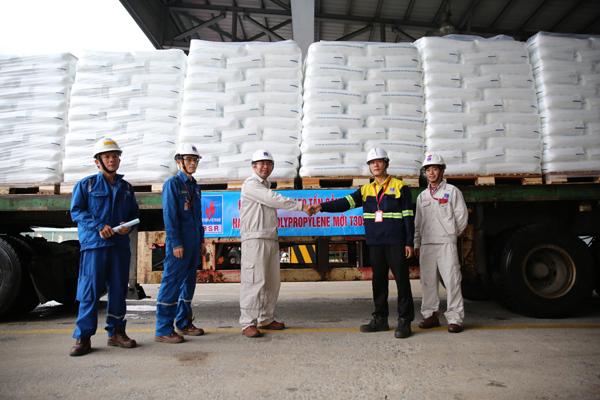 Lọc hóa dầu Bình Sơn sản xuất hạt nhựa mới T3050
