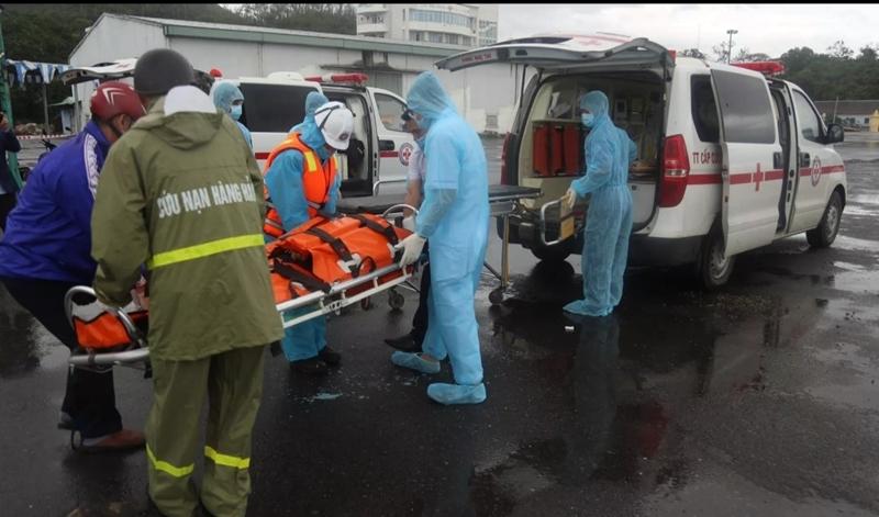 Tàu nước ngoài chở 22 người gặp nạn trên biển Bình Thuận