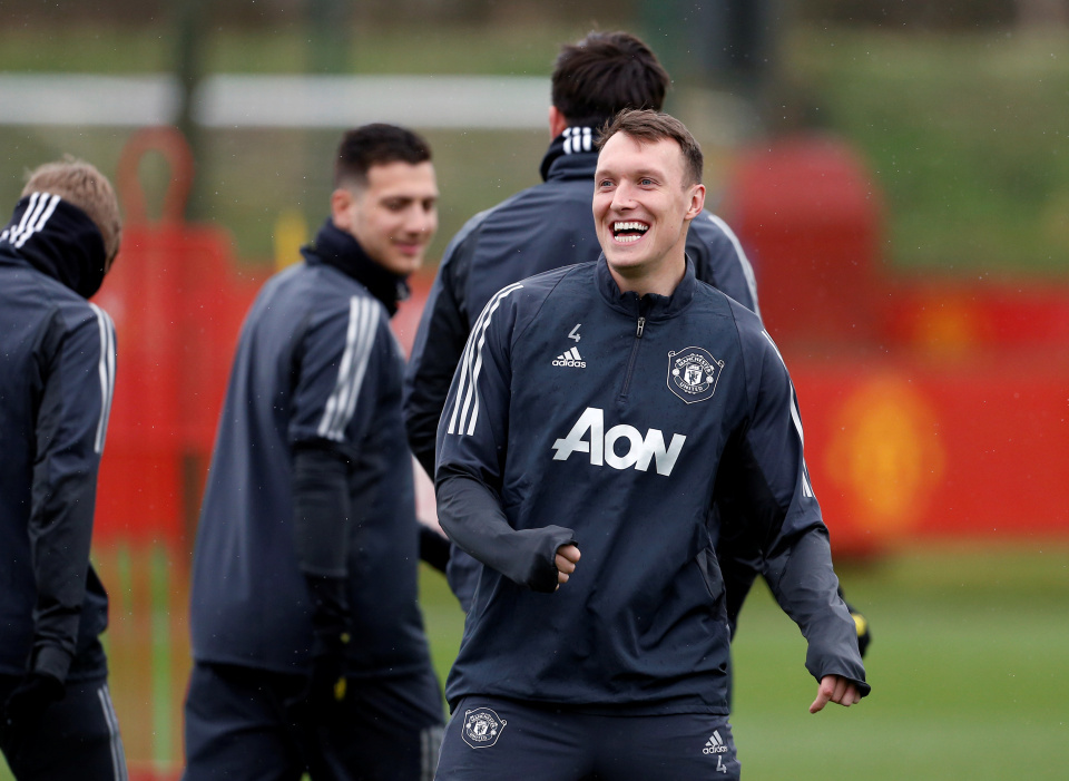 Rooney giang tay cứu vớt sự nghiệp 'ông kễnh' MU