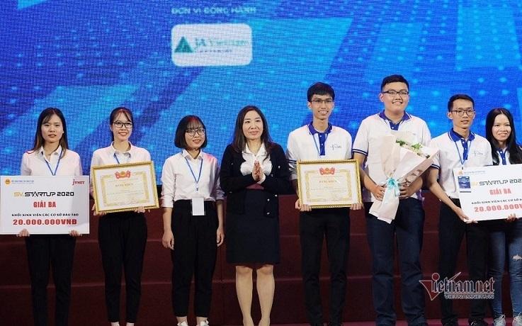 'Ống hút từ hạt bơ' của học trò Đắk Lắk giành giải Nhất cuộc thi khởi nghiệp