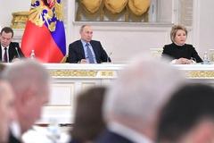 Ông Putin ký luật cựu tổng thống thành thượng nghị sĩ suốt đời