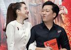 Trường Giang hài hước với Nhã Phương ở thảm đỏ phim 'Chị mười ba'