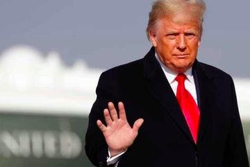 Ông Trump ân xá cùng lúc cho hàng chục người