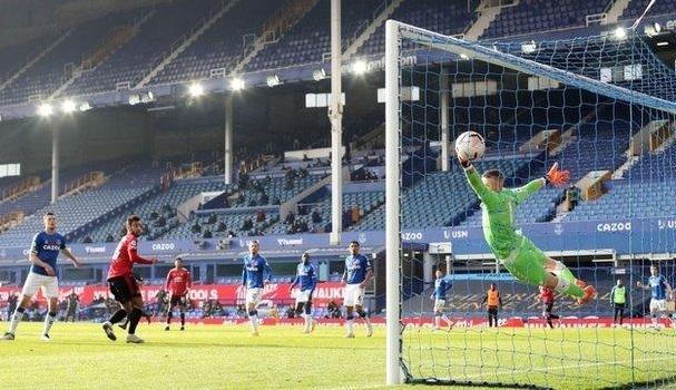 Solskjaer rút ruột gan trước tứ kết MU đấu Everton - bongda24h