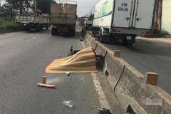 Lao xe máy vào đường cấm, thanh niên bị xe tải cán tử vong