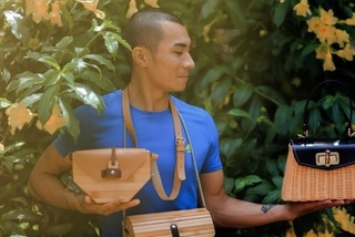Young Thanh Hoa man designs and sells rattan, bamboo handbags overseas