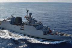 Tàu hải quân Ấn Độ thăm thành phố Hồ Chí Minh