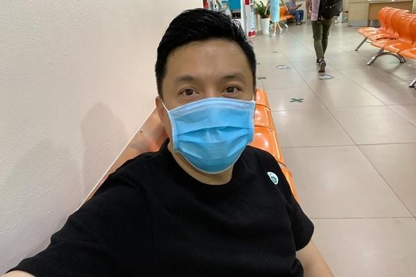 Lam Trường đi bệnh viện kiểm tra vì bị ngã trên sân khấu