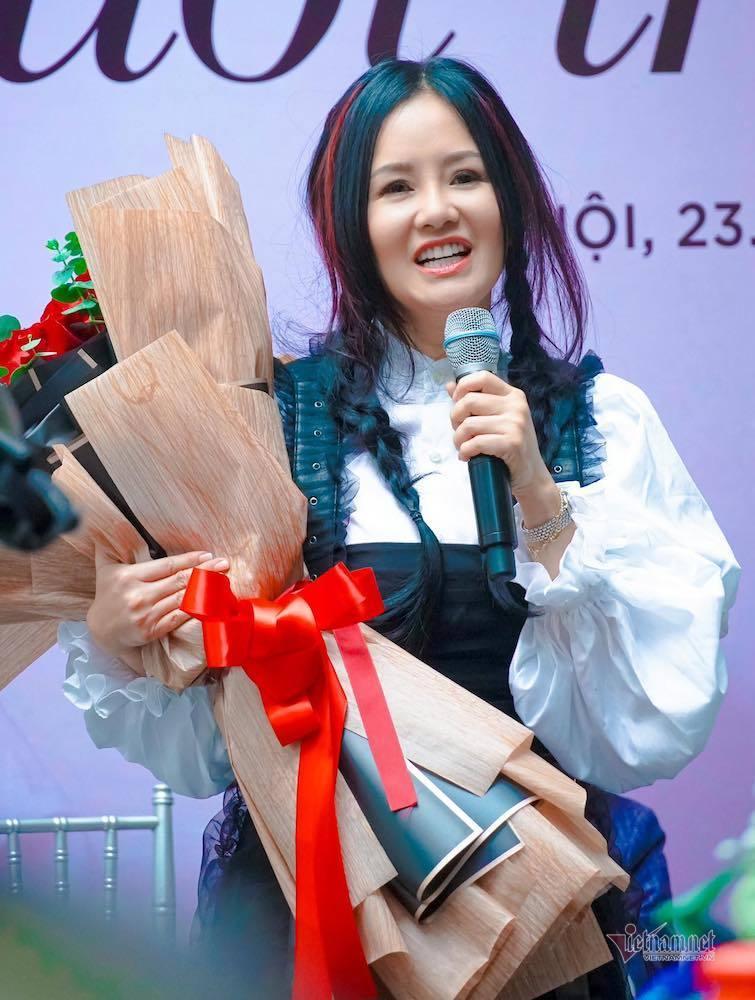 Diva Hồng Nhung: 'Chồng cũ của tôi rất tốt, yêu con'