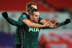 """Bale """"nổ súng"""" đưa Tottenham vào bán kết cúp Liên đoàn"""