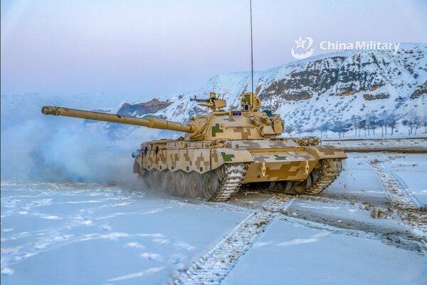 Trung Quốc điều loạt xe tăng hạng nhẹ sát biên giới Ấn Độ