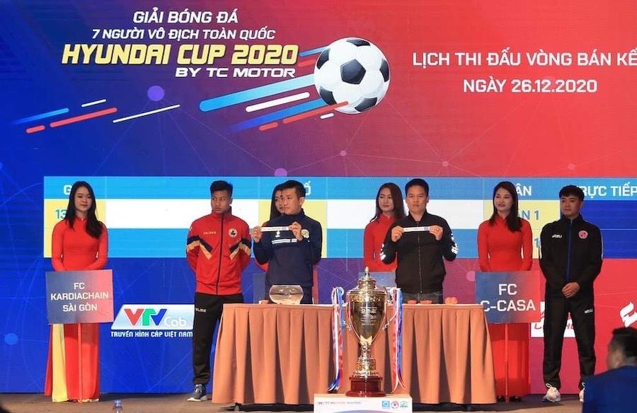 Bốn đội bóng 'phủi' mạnh nhất Việt Nam tranh cúp vô địch 300 triệu đồng