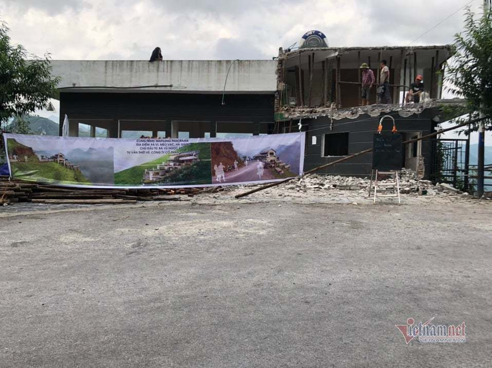 Đại diện UBND huyện Mèo Vạc nói Panorama Mã Pì Lèng được cải tạo theo đúng thẩm định