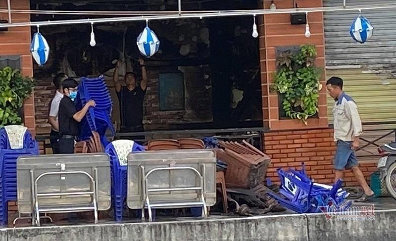 Quán hải sản ở Sài Gòn bốc cháy ngùn ngụt sau tiếng nổ