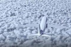 Phi công mắc sai lầm chết người, cả máy bay lao vào núi vỡ vụn