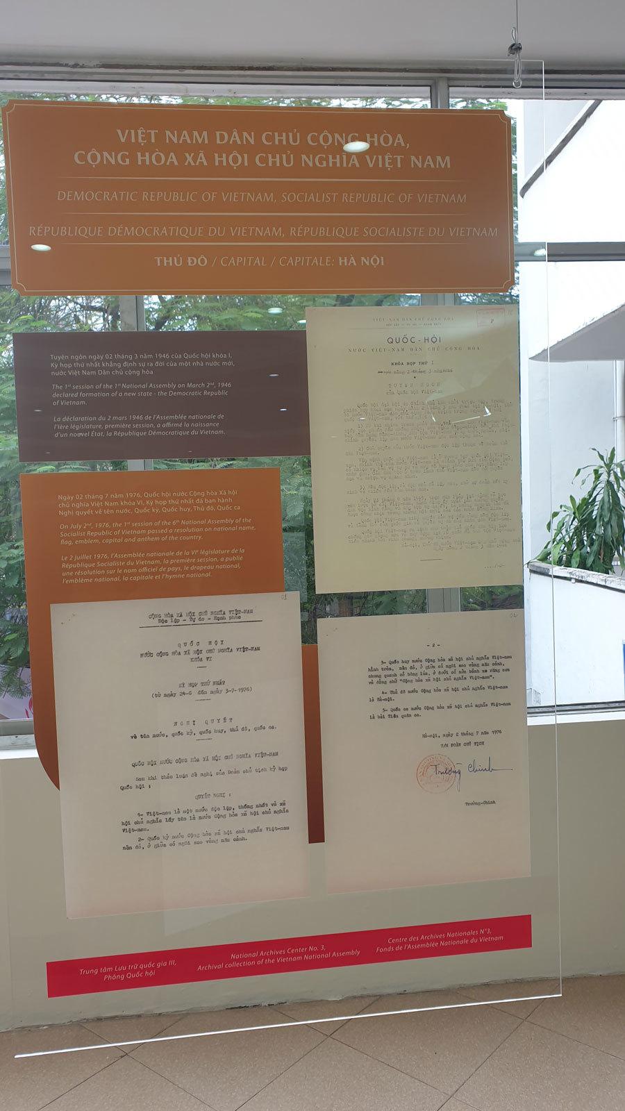 Trưng bày Quốc hiệu và Kinh đô nước Việt trong tài liệu lưu trữ